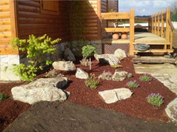 Casamadera5 g for Piedras de jardin decorativas